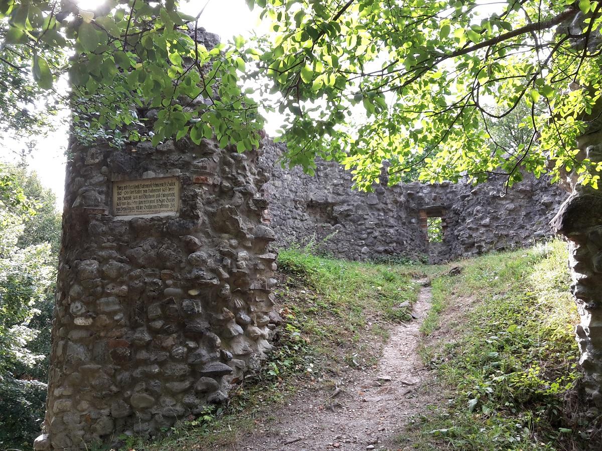Westturm Burgruine Ratzenried