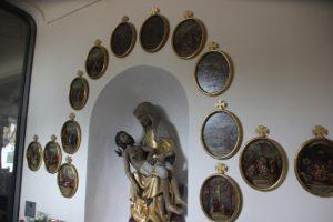 Einbuchtung mit Mariendarstellung Kloster Wald