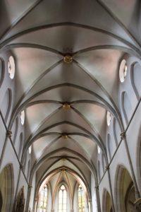 Kreuzrippengewoelbe St Konrad Kirche Langenenslingen