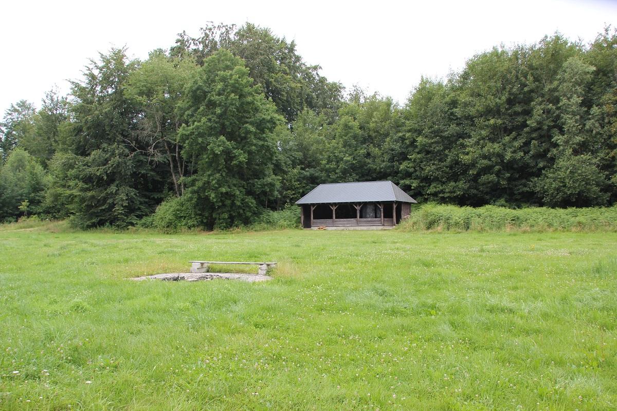 Holzweiher Zeltplatz Grillhuette