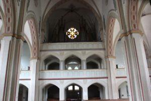 Empore und Orgel Kirche St Martin Erolzheim