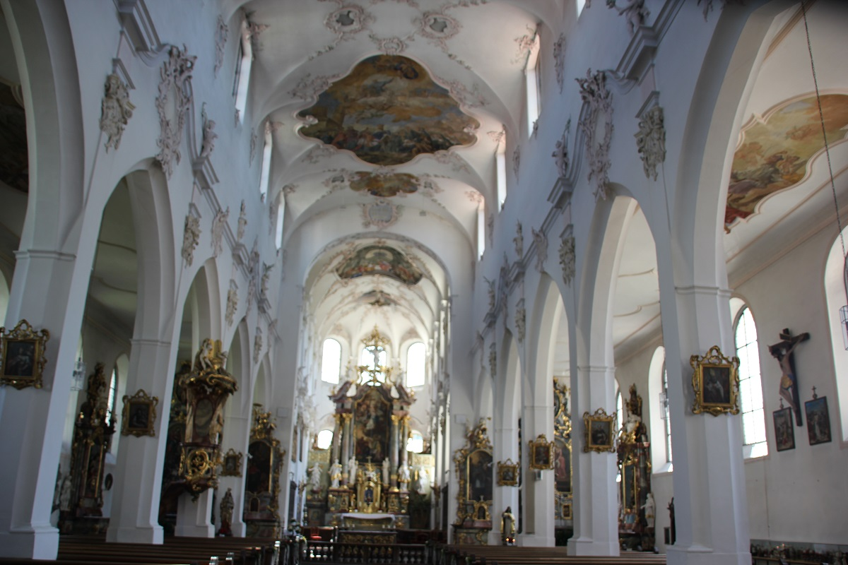 Laengshaus Franziskanerkirche Ueberlingen